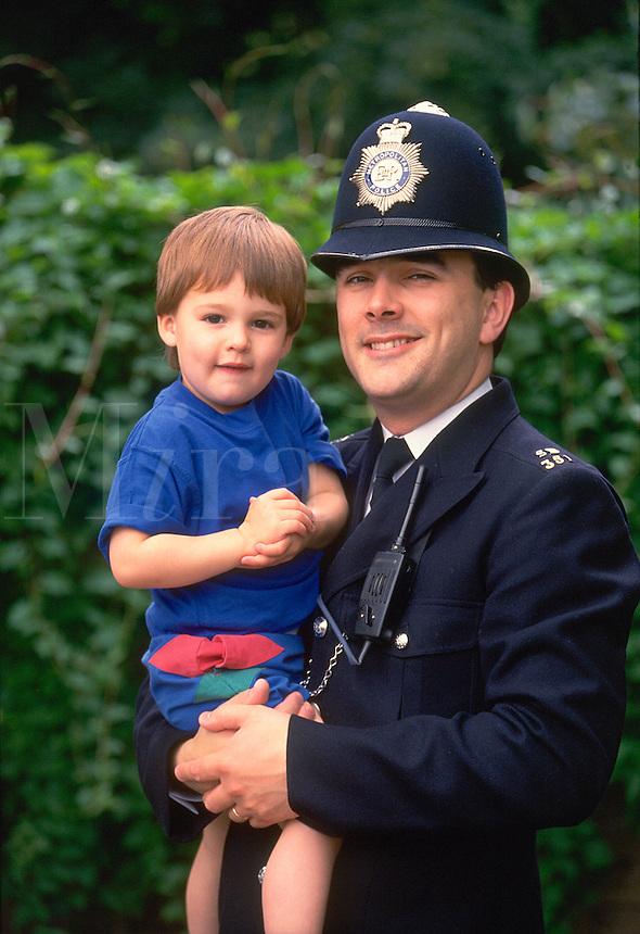 .Friendly policeman in London. MR