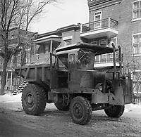 camion-utilise-lors-du-creusement-de-la-station-de-metro-beaubien-janvier-1963