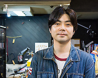 A goldsmith and owner of a small silver shop. He specialises in rings, bracelets, and necklaces in metal style (skulls, guns, predator birds, etc.) Interestingly, he prefers J-pop and J-rock.