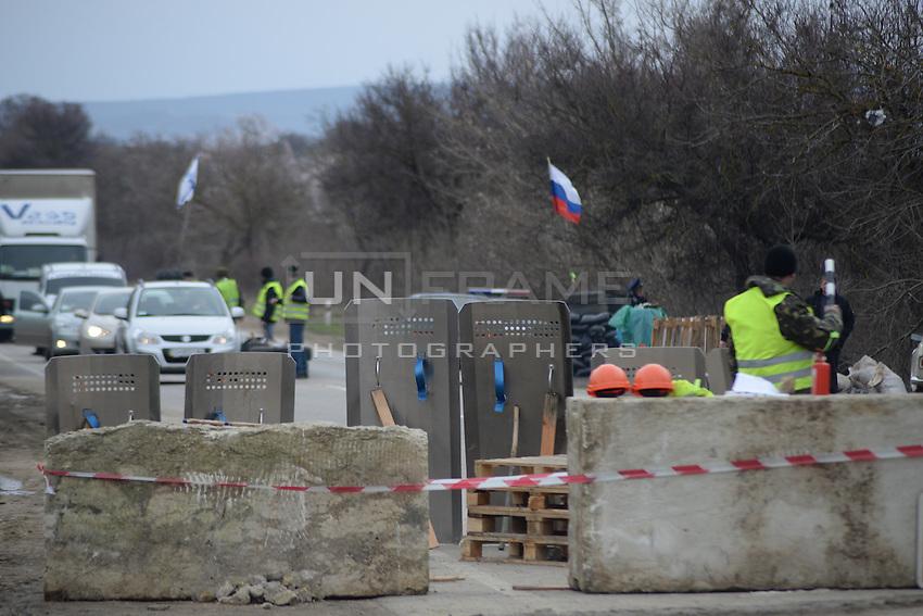 Russian road block on the way from Simferopol to Sevastopol
