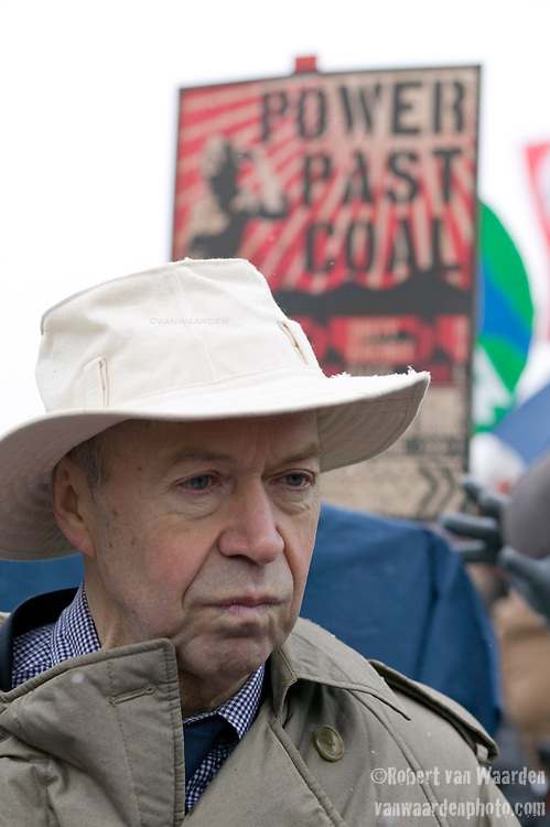 Dr. James Hansen, chief climate scientist of NASA takes part in the Capitol Coal Action in Washington, D.C. March 2nd, 2009 - ©Robert vanWaarden ALL RIGHTS RESERVED
