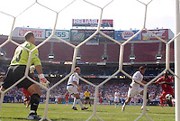 USA's goalkeeper Kasey Keller stands ready as Oguchi Onyewu keeps Panama's Jorge Luis Dely Valdes wide of the goal. The United States defeated Panama 3-1 in a shoot out after a scoreless game to win the CONCACAF Gold Cup at Giant's Stadium, East Rutherford, NJ, on July 24, 2005.