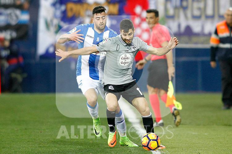 CD Leganes' Diego Rico (l) and Deportivo de la Coruna's Carles Gil during La Liga match. February 25,2017. (ALTERPHOTOS/Acero)