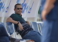 PALMIRA - COLOMBIA, 03-04-2021: Edward Muñoz técnico de Orsomarso gesticula durante partido entre Orsomarso S.C. y Cortuluá por la fecha 14 del Torneo BetPlay DIMAYOR I 2021 jugado en el estadio Francisco Rivera Escobar de la ciudad de Palmira. / Edward Muñoz coach of Orsomarso gestures during match between Orsomarso S.C. and Cortulua for the date 14 as part of BetPlay DIMAYOR Tournament I 2021 played at Francisco Rivera Escobar stadium in Palmira city. Photo: VizzorImage / Jorge Rotavinsky / Cont