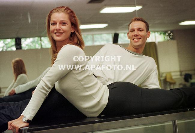 Arnhem,14-08-99  Foto:Koos Groenewold <br />Dansers van Introdans Carola Rijn en Mark Wolters.