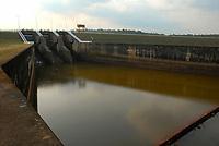 A Usina Hidrelétrica Curuá-Una (oficialmente UHE Silvio Braga, localizada no Rio Curuá-Una, na Cachoeira do Palhão, a 70 km a sudeste de Santarém e cerca de 850 km de Belém, no estado do Pará.<br /> Santarém, Pará, Brasil.<br /> Foto Paulo Santos