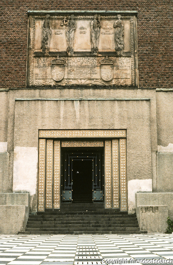 Josef Maria Olbrich: Wedding Tower, Darmstadt. Entrance.