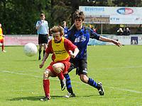 Veldegem - Oelegem :..Martijn Keirse (L) in duel met Jonas Vandewalle (R)..foto VDB / BART VANDENBROUCKE