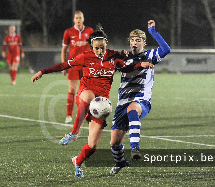 AA GENT LADIES - FC TWENTE :<br /> Stevig duel tussen Marthe Munsterman (L) en Jessie Taets (R)<br /> foto Dirk Vuylsteke / Nikonpro.be
