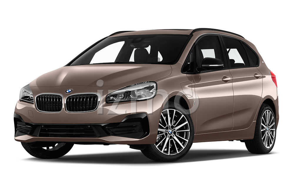 Stock pictures of low aggressive front three quarter view of a 2018 BMW 2 Series 225xe iperformance 5 Door Mini Van