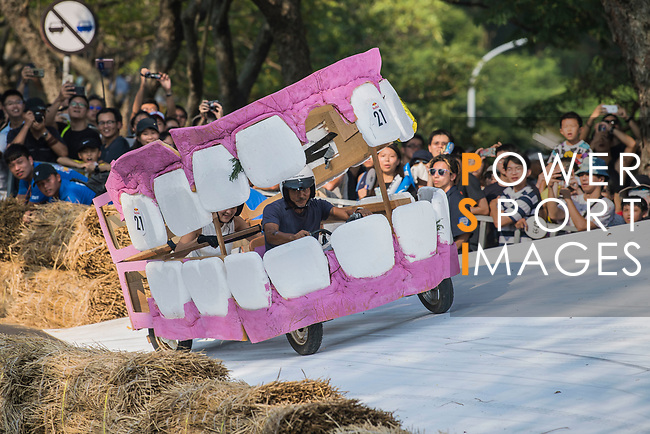 Team 朱慧湯  in action during the Red Bull Soapbox Race 2017 Taipei at Multipurpose Gymnasium National Taiwan Sport University on 01 October 2017, in Taipei, Taiwan. Photo by Victor Fraile / Power Sport Images