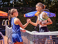 Hilversum, Netherlands, August 6, 2018, National Junior Championships, NJK, Florentine Dekkers (NED) is congratulated by Veerle Tibben (NED (L)<br /> Photo: Tennisimages/Henk Koster