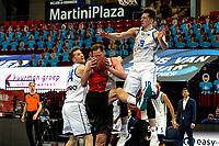 31-03-2021: Basketbal: Donar Groningen v ZZ Feyenoord: Groningen , Feyenoord speler Jeroen van der List wint duel van Donar speler Thomas Koenis en Donar speler Willem Brandwijk