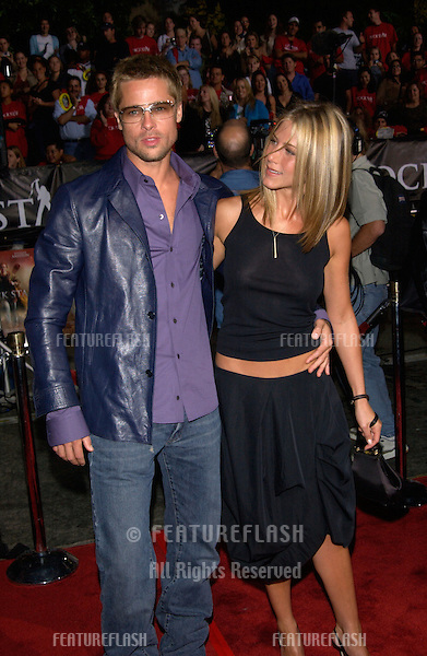 Actress JENNIFER ANISTON & actor husband BRAD PITT at the Los Angeles premiere of her new movie Rock Star..04SEP2001.  © Paul Smith/Featureflash