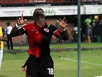 CUCUTA -COLOMBIA, 21-11-2015: Cristian Dajome (Der.) jugador del Cucuta Deportivo celebra después de anotar un gol a Atlético Nacional durante partido por la fecha 20 de la Liga Aguila II 2015 disputado en el estadio General Santander de la ciudad de Cúcuta./ Oscar A. Caicedo (L) player of Cucuta Deportivo celebrates after scoring a goal to Atletico Nacional during match for the date 20 of the Aguila League II 2015 played at General Santander stadium in Cucuta city. Photo: VizzorImage / Manuel Hernandez /