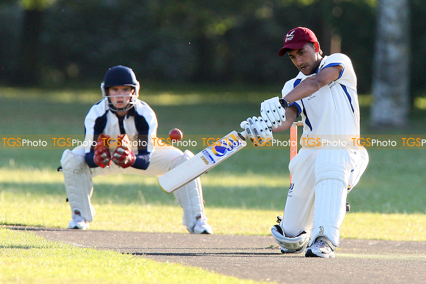 Island Community CC vs London Wanderers CC - Victoria Park Community Cricket League - 01/07/09 - MANDATORY CREDIT: Gavin Ellis/TGSPHOTO - Self billing applies where appropriate - 0845 094 6026 - contact@tgsphoto.co.uk - NO UNPAID USE.