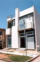 "Venice CA: Hess House, Carroll Court,  2001. 5 Bedrooms, 2500 sf, $300,000. David Hertz, Architect. Photo ""01."