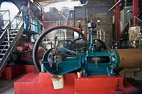 France/DOM/Martinique/ Saint-Pierre:  Distillerie Neisson -Rhum AOC de la Martinique  - La Machine à vapeur qui entraine les  moulins