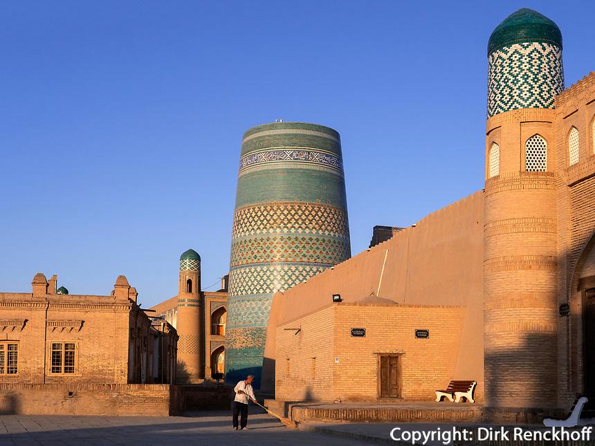 Kalta Minor Minarett , Xiva, Usbekistan, Asien, UNESCO-Weltkulturerbe<br /> Kalta Minor minaret, historic city Ichan Qala, Chiwa, Uzbekistan, Asia, UNESCO heritage site