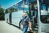 Jan Salat, Vorarbeiter, Im Pendelbus von Strakonice (Tschechien) nach Aicha vorm Wald (Deutschland).