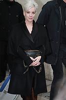 Lily Allen - DÈfilÈ 'Chanel' au Grand Palais lors de la Fashion Week ‡ Paris, le 07/03/2017. # LES PEOPLE ARRIVENT AU DEFILE 'CHANEL' - FASHION WEEK DE PARIS