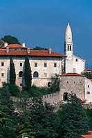 Slowenien, Stanjel, Burg und Kirche