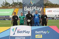 BOGOTÁ- COLOMBIA, 21-02-2021:John Hinestroza Ronaña arbitro central durante el encuentro entre La Equidad y Once Caldas  en partido por la fecha 8 como parte de la Liga BetPlay DIMAYOR 2021 jugado en el estadio  Metropolitano de Techo de la ciudad de Bogotá. /Central referee John Hinestroza Ronana during mach between  La Equidad and Once Caldas  in match for the date 8 as part of the BetPlay DIMAYOR League I 2021 played at  Metroplitano de Techo  stadium in Bogota  city. Photo: VizzorImage / Felipe Caicedo / Staff