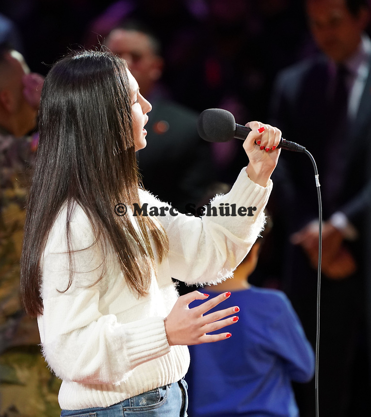 Die 14-jährige Carolina Luis singt die Nationalhymne - 22.01.2020: Miami Heat vs. Washington Wizards, American Airlines Arena