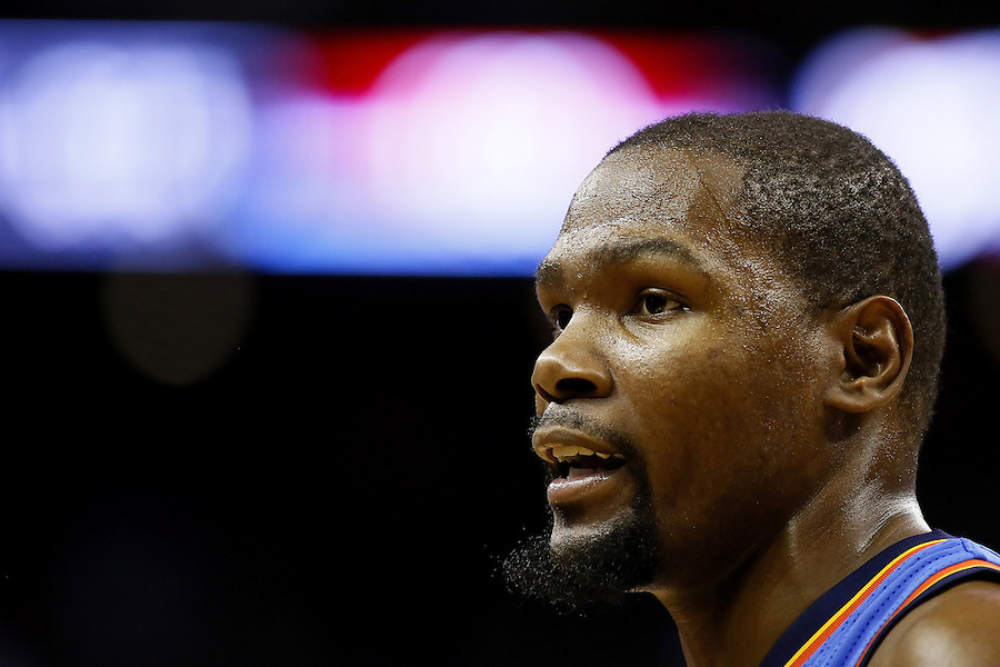 Oklahoma City Thunder forward Kevin Durant reacts during the second half of an NBA basketball game against the New Orleans Pelicans Thursday, Feb. 25, 2016, in New Orleans. The Pelicans won 123-119. (AP Photo/Jonathan Bachman)
