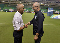PALMIRA - COLOMBIA, 29-01-2021: Jose Arastey técnico del Envigado y Alfredo Arias técnico del Cali previo al partido entre Deportivo Cali y Envigado F.C. como parte de la Liga BetPlay DIMAYOR I 2021 jugado en el estadio Deportivo Cali de la ciudad de Palmira. / Jose Arastey coach of Envigado and Alfredo Arias coach of Cali prio a match between Deportivo Cali and Envigado F.C. for the date 3 as part of BetPlay DIMAYOR League I 2021 played at Deportivo Cali stadium in Palmira city.  Photo: VizzorImage / Gabriel Aponte / Staff