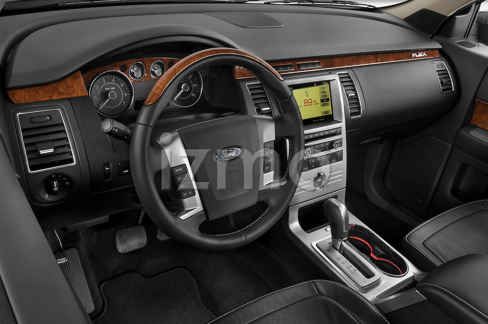 High angle dashboard view of a 2009 Ford Flex
