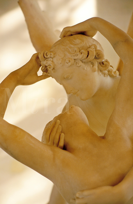France, Paris, The Louvre, statue of Eros and Psyche by Antonio Canova