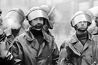 - Milano, Gennaio 1977, schieramento di polizia in ordine pubblico durante una manifestazione di protesta<br /> <br /> - Milan, January 1977, police deployment in public order during a protest demonstration