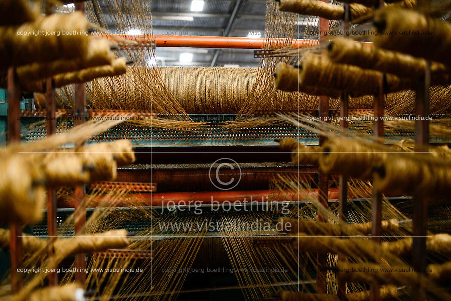 TANZANIA Tanga, Sisal industry, Tancord 1998 Ltd., processing of sisal fibres to carpet, weaving / TANSANIA Tanga, Sisal Industrie, Tancord ein Unternehmen der Katani Gruppe  Verabeitung der Sisalfaser zu Teppichen, Webstuhl