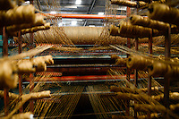 TANZANIA Tanga, Sisal industry, Tancord 1998 Ltd., processing of sisal fibres to carpet, weaving / TANSANIA Tanga, Sisal Industrie, Tancord ein Unternehmen der Katani Gruppe  Verabeitung der Sisalfaser zu Teppichen, Webstuhl
