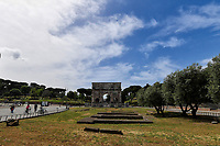 Rome 17/5/2020 <br /> A view of the Arch of Constantine deserted during the second phase of lockdown measures decided by italian government due the coronavirus, covid-19, pandemic . <br /> Restaurants, bars and most of the commercial activities will be reopened on 18 May . <br /> Photo Andrea Staccioli / Insidefoto