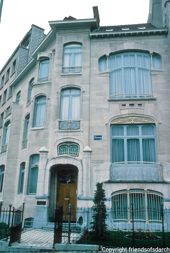 Victor Horta: House at No. 2 Ave. Palmerston. Next door to Hotel Van Eetveld. (Actually looks like a Guimard.)