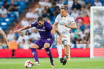 Valentin Eysseric (l) of ACF Fiorentina fights for the ball with Marcos Llorente of Real Madrid during the Santiago Bernabeu Trophy 2017 match between Real Madrid and ACF Fiorentina at the Santiago Bernabeu Stadium on 23 August 2017 in Madrid, Spain. Photo by Diego Gonzalez / Power Sport Images