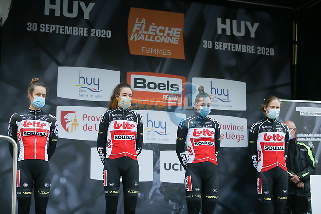 Lotto-Soudal Ladies at sign on before La Fleche Wallonne Femmes 2020, running 124km from Huy to Mur de Huy, Belgium. 30th September 2020.<br /> Picture: ASO/Thomas Maheux | Cyclefile<br /> All photos usage must carry mandatory copyright credit (© Cyclefile | ASO/Thomas Maheux)