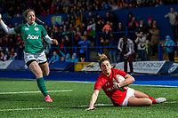 Jess Kavanagh of Wales scores her sides first try during the Women's Six Nations match between Wales and Ireland at Cardiff Arms Park, Cardiff, Wales, UK. Sunday 17 March 2019