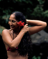 TAHITI LOCAL GIRL