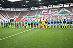 17.07.2010,  Augsburg, GER, FIFA U20 Womens Worldcup, Nigeria vs Japan,  im Bild beide Teams vor dem Anstoss , Foto: nph /  Straubmeier