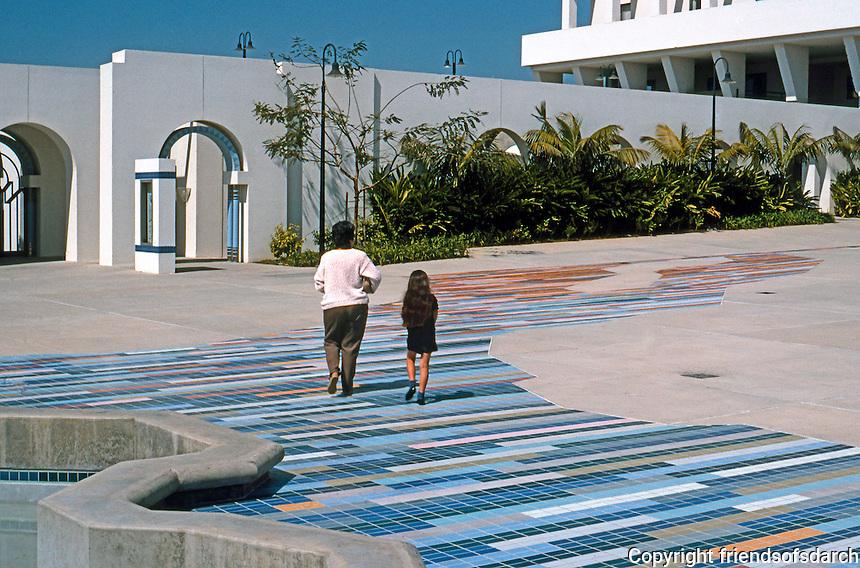 Charles Moore: Oceanside City Hall. Photo '91.
