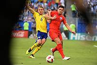 SAMARA - RUSIA, 07-07-2018: Ludwig AUGUSTINSSON (Izq) jugador de Suecia disputa el balón con Harry MAGUIRE (Der) jugador de Inglaterra durante partido de cuartos de final por la Copa Mundial de la FIFA Rusia 2018 jugado en el estadio Samara Arena en Samara, Rusia. / Ludwig AUGUSTINSSON (L) player of Sweden fights the ball with Harry MAGUIRE (R) player of England during match of quarter final for the FIFA World Cup Russia 2018 played at Samara Arena stadium in Samara, Russia. Photo: VizzorImage / Julian Medina / Cont