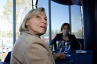 Movie shooting / tournage du film<br /> LA BRUNANTE<br /> avec / with Monique  Mercure (in gray)<br /> <br /> Photo : (c)  2006, Images Distribution