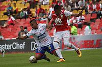 BOGOTÁ -COLOMBIA-17-ABRIL-2016.Yeison Gordillo (Der.) de Independiente Santa Fe   disputa el balón con John Varela(Izq.) de Pasto durante partido por la fecha 13 de Liga Águila I 2016 jugado en el estadio Nemesio Camacho El Campin de Bogotá./Yeison Gordillo (R) of Independiente Santa Fe fights for the ball with John Varela (L) of Pasto during the match for the date 13 of the Aguila League I 2016 played at Nemesio Camacho El Campin stadium in Bogota. Photo: VizzorImage / Felipe Caicedo / Staff