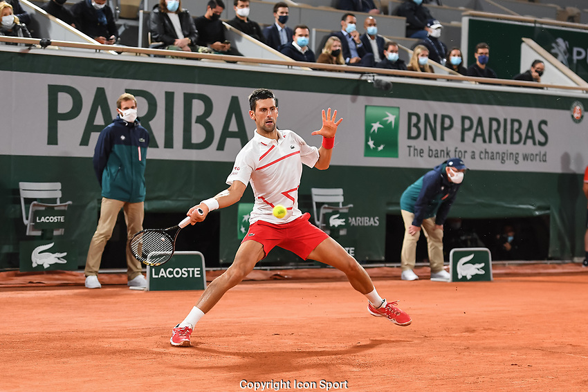Novak DJOKOVIC of Serbia during day third of the Tennis French Open on September 29, 2020 in Paris, France. (Photo by Baptiste Fernandez/Icon Sport) - Novak DJOKOVIC - Roland Garros - Paris (France)