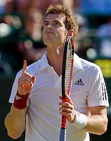 22-06-10, Tennis, England, Wimbledon, Andy Murray wins the first round