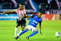 BARRANQUILLA-COLOMBIA, 16-02-2020: Juli‡n Viafara de AtlŽtico Junior y Marcelino Carreazo de Once Caldas disputan el bal—n, durante partido entre AtlŽtico Junior y Once Caldas, de la fecha 5 por la Liga BetPlay DIMAYOR I 2020, jugado en el estadio Metropolitano Roberto MelŽndez de la ciudad de Barranquilla. / Juli‡n Viafara of Atletico Junior and Marcelino Carreazo of Once Caldas battle for the ball, during a match between Atletico Junior and Once Caldas of the 5th date for the BetPlay DIMAYOR I Leguaje 2020 played at the Metropolitano Roberto Melendez Stadium in Barranquilla city. / Photo: VizzorImage / Alfonso Cervantes / Cont.