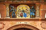 Frankreich, Grand Est, Elsass, Departement Bas-Rhin, Wissembourg (Weissenburg): Wappen am Maison Vogelsberger | France, Grand Est, Alsace, Departement Bas-Rhin, Wissembourg: coat of arms at Maison Vogelsberger